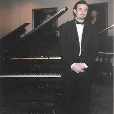 Andre em um recital de 2003