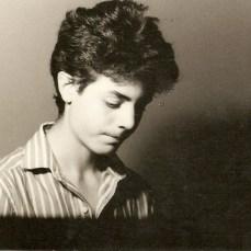 Andre no piano em 1988